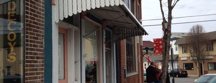 Goll's Bakery is one of Posti salvati di Rachel.