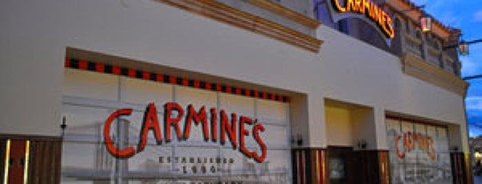 Carmine's Italian Restaurant is one of Lugares favoritos de Ofe.