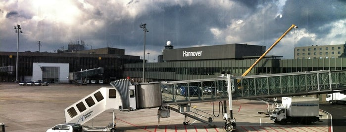 Hannover Airport (HAJ) is one of Posti che sono piaciuti a Hideo.