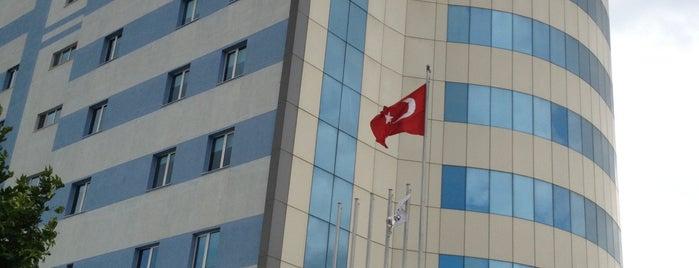 Özel Edremit Körfez Hastanesi is one of tt. 님이 저장한 장소.