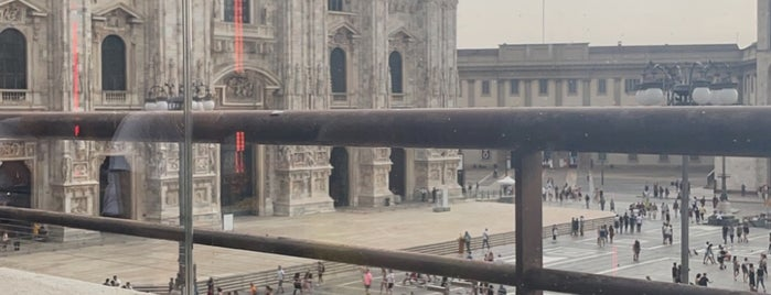 Terrazza Duomo 21 is one of Milano.