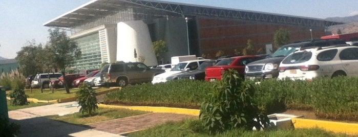Tecnológico de Estudios Superiores de Ecatepec is one of Escuelas.