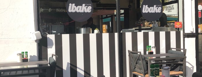 ibake Cafe is one of Lieux qui ont plu à Tammy.