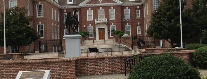 Delaware Legislative Hall is one of State Capitols.
