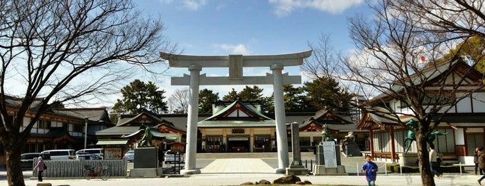 Hiroshima Gokoku Shrine is one of Orte, die Thiago gefallen.