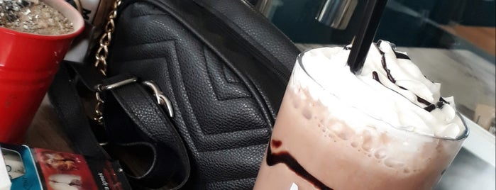 Modjo Coffee & Tea is one of Ayşe Behra'nın Beğendiği Mekanlar.