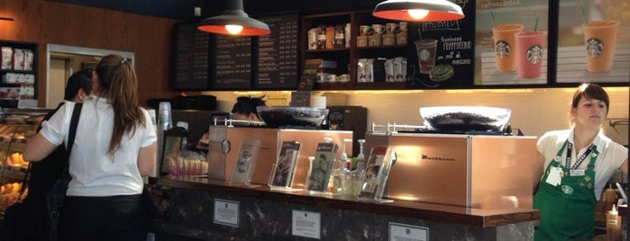 Starbucks is one of Restaurantes - Buenos Aires.