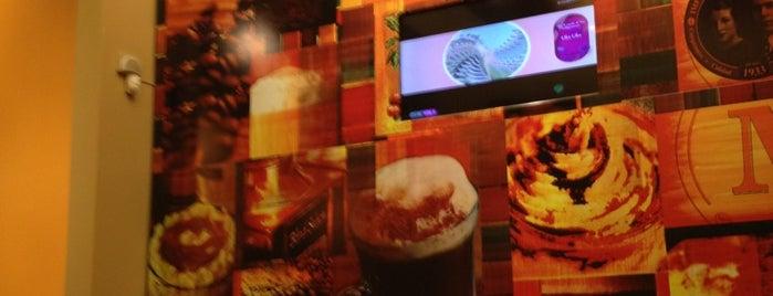 Café Martínez is one of Panchistelrooy 님이 좋아한 장소.