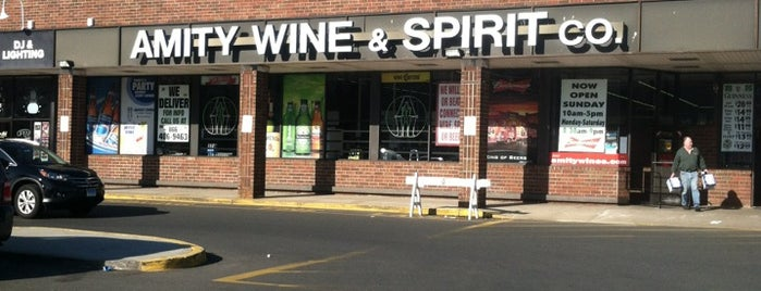Amity Wine & Spirits is one of Tempat yang Disukai Molly.