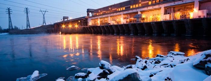 Новосибирская ГЭС is one of NSK.