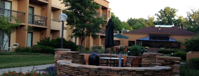Courtyard by Marriott Indianapolis Castleton is one of Locais curtidos por Mike.
