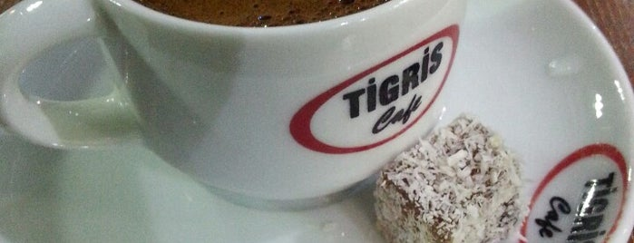 Tigris Cafe is one of Lugares favoritos de Nagehan.