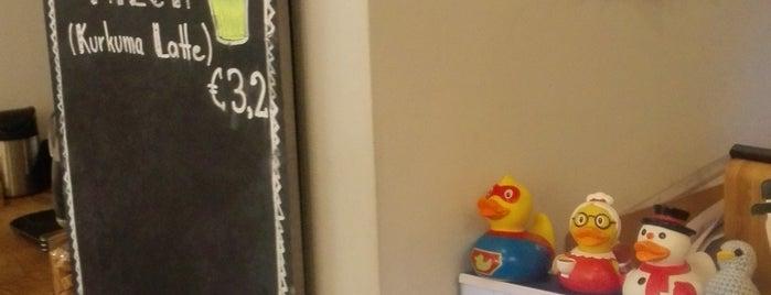 Ducks Coffee Shop is one of Lugares favoritos de Ajda.