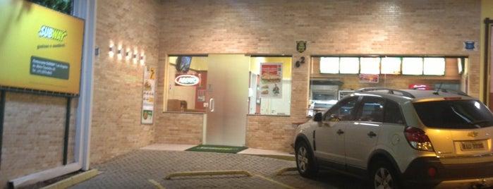 Subway is one of สถานที่ที่ Mohamad ถูกใจ.
