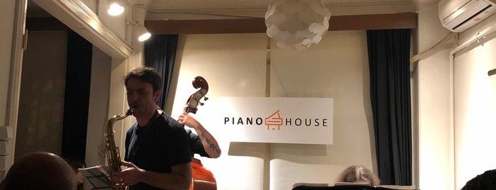 Piano House is one of Gülçem'in Kaydettiği Mekanlar.