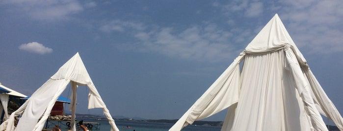Island Beach Bar is one of Dimitris : понравившиеся места.
