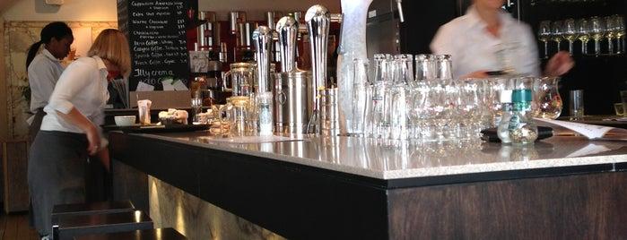 Café Brasserie Meuwese is one of Posti che sono piaciuti a Banu.