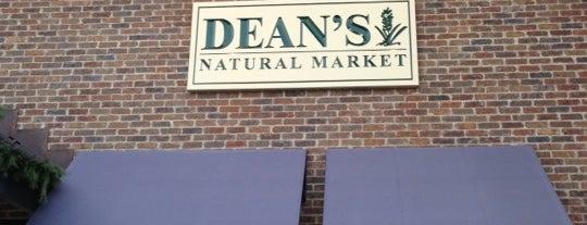 Dean's Natural Food Market is one of Adrienne'nin Beğendiği Mekanlar.