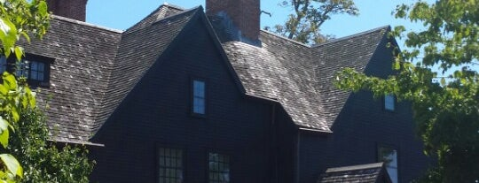 The House of the Seven Gables is one of Tempat yang Disimpan Chris.