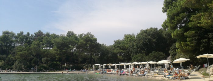 Crvena Luka Hotel & Resort is one of Posti che sono piaciuti a Gabor.