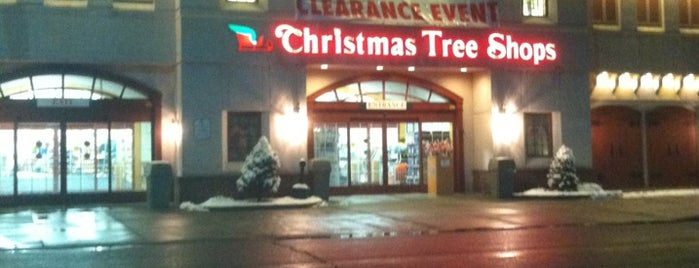 Christmas Tree Shops is one of Orte, die Nicholas gefallen.