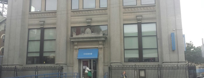 Chase Bank is one of Orte, die Justin gefallen.