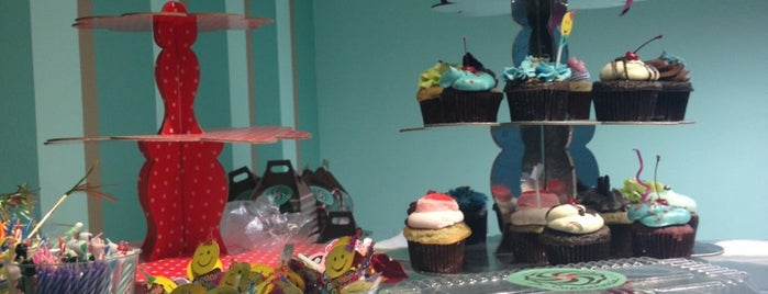 La Cupcakeria is one of Antojos.