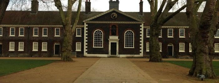 Geffrye Museum is one of Hackney, London.