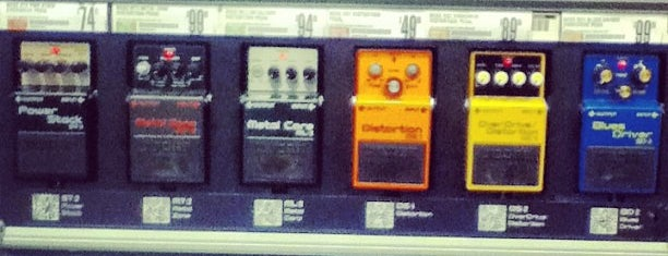 Guitar Center is one of Alexander's Liked Places.