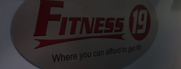 Fitness 19 Lakeview/Lincoln Park is one of Lieux qui ont plu à Andre.