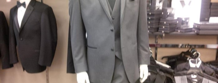 Men's Wearhouse is one of Joeさんのお気に入りスポット.