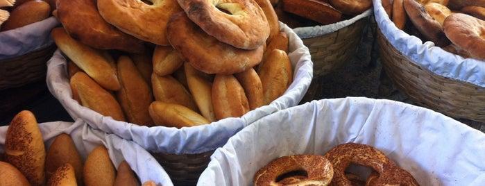Kazdal Kardeşler Ekmek Fırını is one of Tempat yang Disukai ESRA👑.