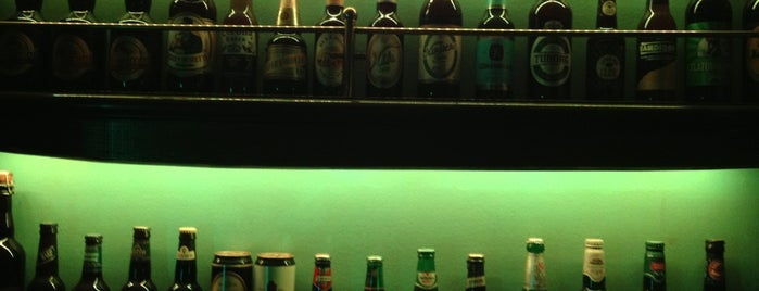 Scout Club Irish Pub is one of Locais curtidos por Bruno.