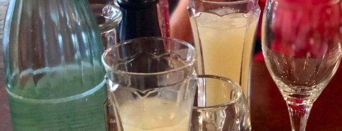 Brasserie St. Germain is one of Posti che sono piaciuti a Trent.