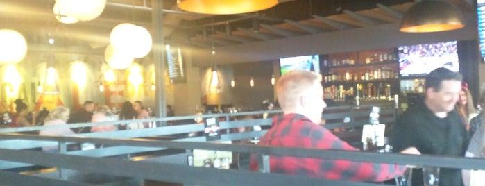 NYP Bar & Grill is one of Posti che sono piaciuti a Erik.