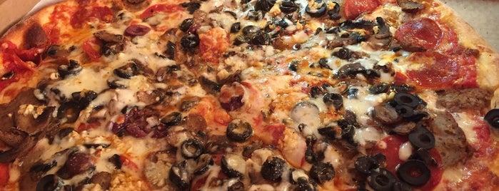 John's Best Pizza is one of สถานที่ที่บันทึกไว้ของ Jim.