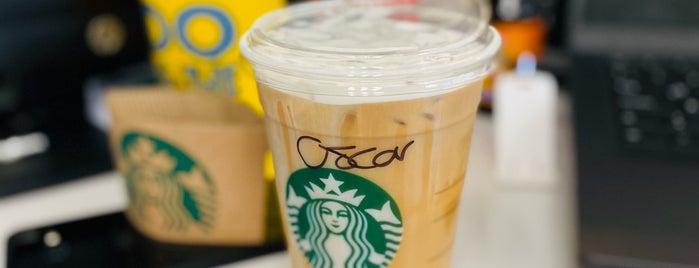 Starbucks lobby WTC is one of สถานที่ที่ Brend ถูกใจ.