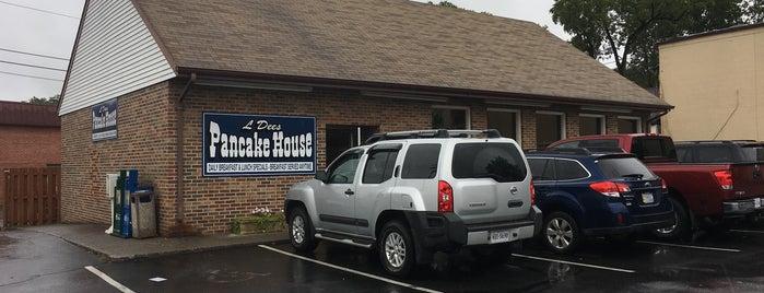 L 'Dee's Pancake House is one of Evan 님이 저장한 장소.