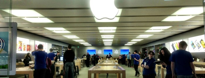 Apple Canberra is one of Tempat yang Disukai Dave.