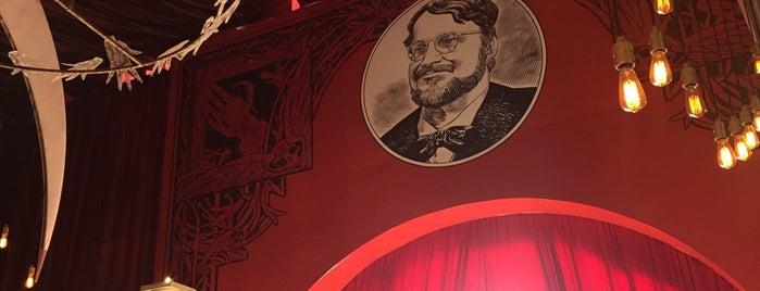 En Casa Con Mis Monstruos is one of Tempat yang Disukai Jhalyv.