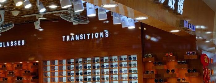 San Ye Eyeglass Market is one of Simons Shanghai List.