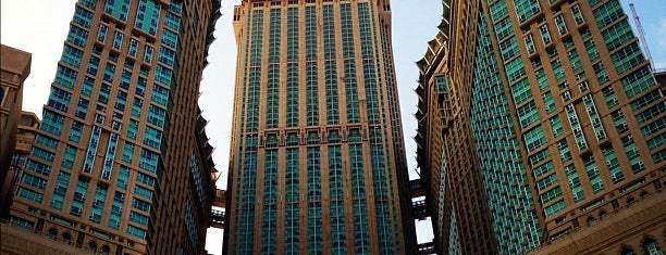 Raffles Makkah Palace is one of Orte, die 9aq3obeya gefallen.