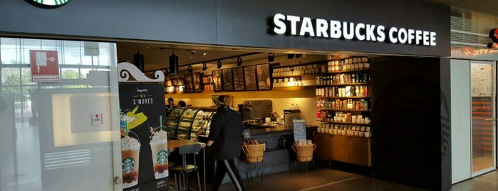 Starbucks is one of Orte, die Stefan gefallen.