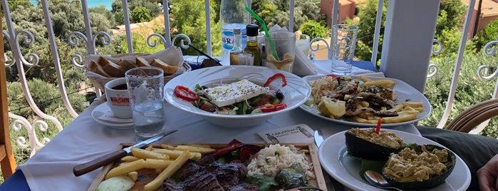 Restaurant Caryatides is one of Lugares favoritos de Павел.