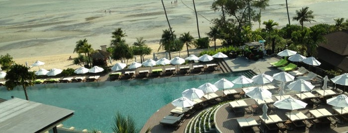 Pullman Phuket Panwa Beach Resort is one of สถานที่ที่ Eser Ozan ถูกใจ.