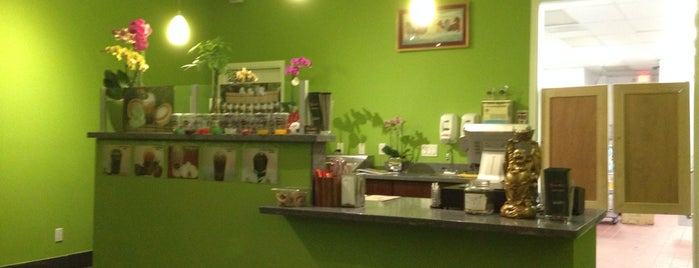 Bambu Desserts & Drinks is one of 415 & 650 Area.