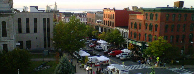 Oswego Farmers Market is one of Keith's Liked Places.