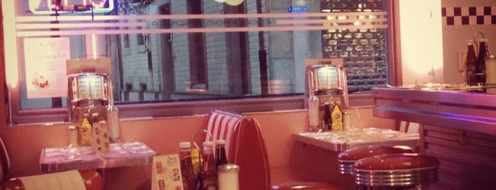 Peggy Sue's is one of Gijon.