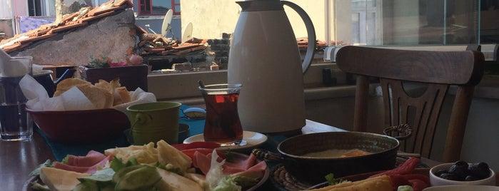 Fanaraki Cafe is one of Ebru : понравившиеся места.