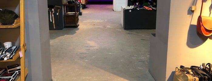 UTOPIA 8 | intelligent store is one of Orte, die Anton gefallen.